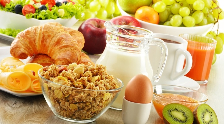 Foods to eat during First month of Pregnancy, first month pregnancy diet, fruits for pregnant, diet chart for pregnant women,